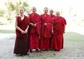 亡命チベット人尼僧による手づくりお守りができること