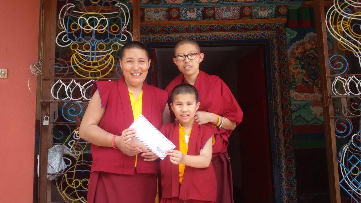 sakadawa2016_tibetan_nun