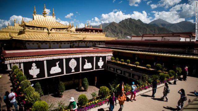 180219144117-jokhang-temple-01-exlarge-169