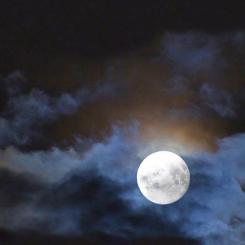the-august-full-moon-2012-corn-moon-720