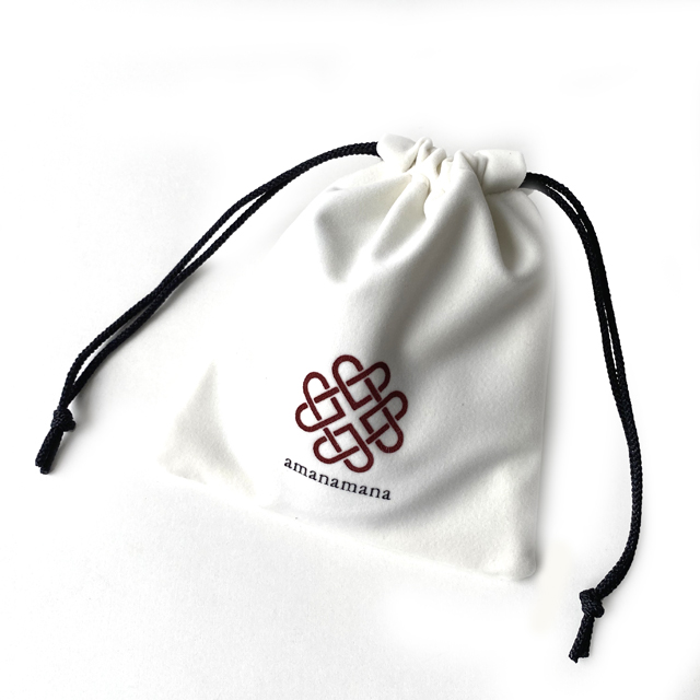 640px-tw-pouch-02-sq